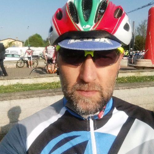 MASSIMILIANO CASELLA personal trainer certificato ISSA Europe