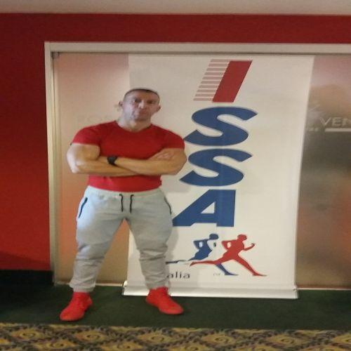 ROBERTO APUZZO personal trainer certificato ISSA Europe