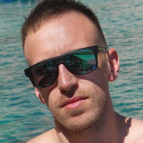 ROBERTO MAVIGLIA personal trainer certificato ISSA Europe