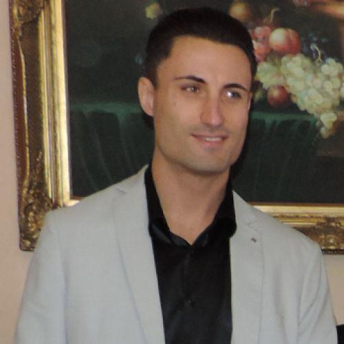 OSKAR DANIEL SIKORA personal trainer certificato ISSA Europe