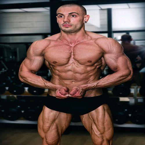 DAVIDE CAZZANIGA personal trainer certificato ISSA Europe